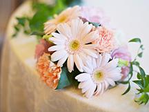 テーブルに装花